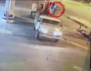 شرطة عسير القبض على شخصين اقتلعا جهاز صراف آلي
