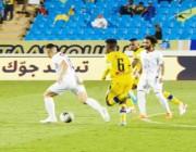 التعاون يفوز على الشباب بثلاثية في الدوري