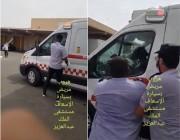بالفيديو | مريض يسرق سيارة إسعاف