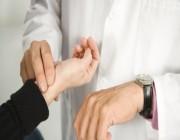 كيف تقيس النبض ومعدل ضربات القلب للاطمئنان على صحتك؟ .. التفاصيل هنا !!