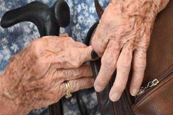 نصائح هامة للعناية ببشرة كبار السن .. التفاصيل هنا !!