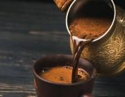 استشاري يحدد مقدار القهوة الأنسب يوميًا