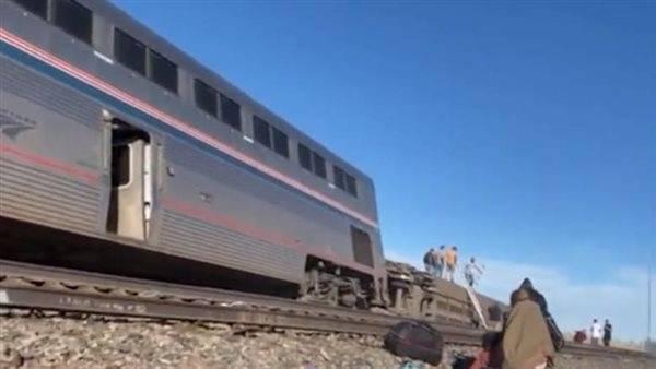مقتل وإصابة العشرات بعد خروج قطار عن مساره في ولاية مونتانا الأمريكية .. التفاصيل هنا !!